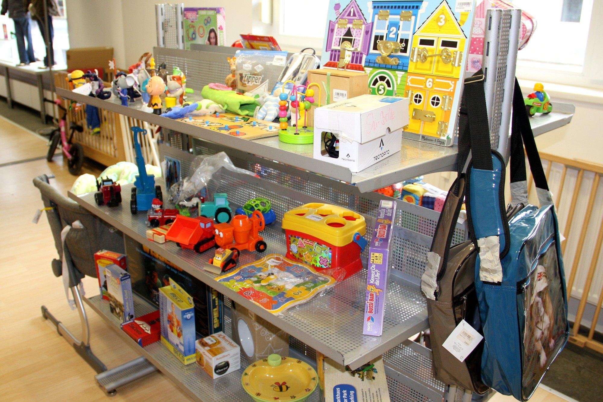 DRK Wühlmaus Second Hand Ladengeschäft Spielwaren für Kinder