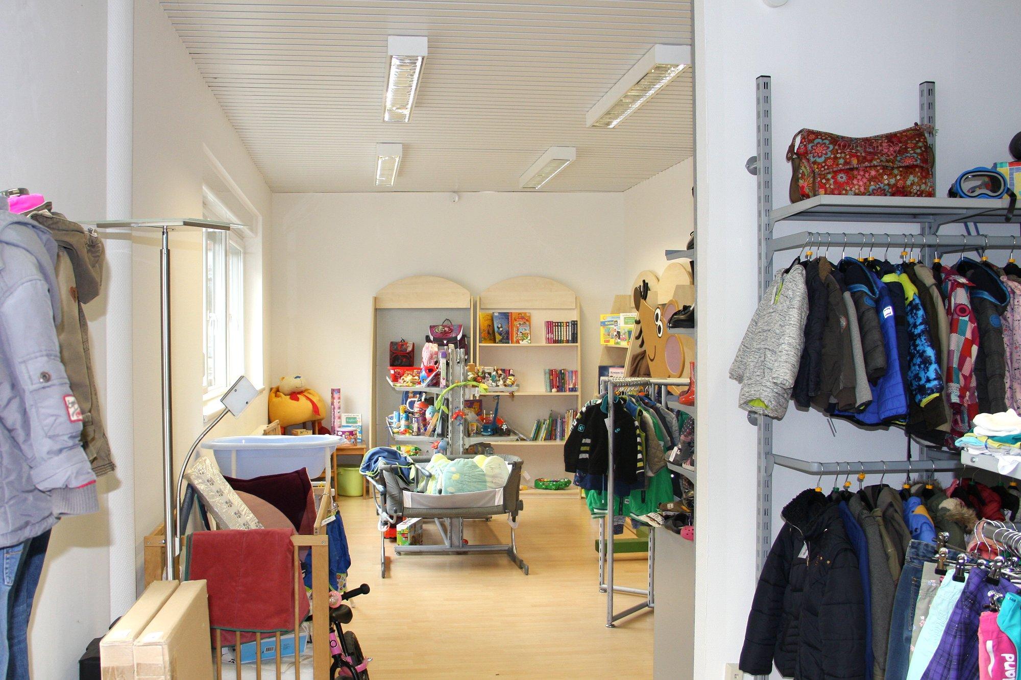 DRK Wühlmaus Second Hand Ladengeschäft neuer Verkaufsraum nach Umbau
